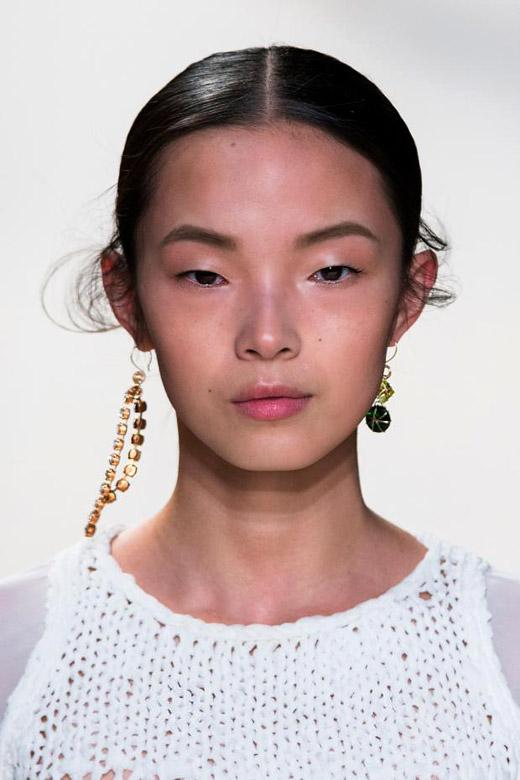 cliomakeup-moda-2017-11-orecchini-diversi