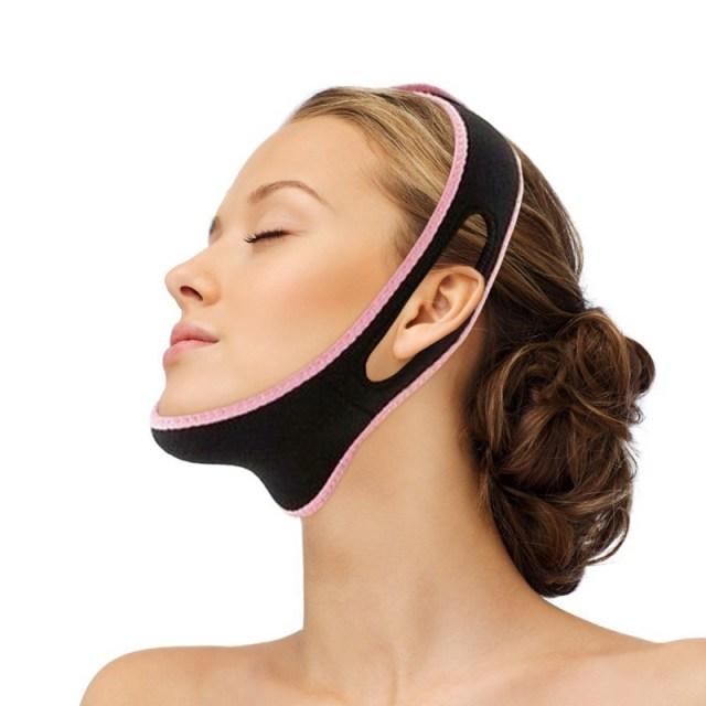 ClioMakeUp-doppio-mento-contouring-capelli-accessori-chin-up-mask