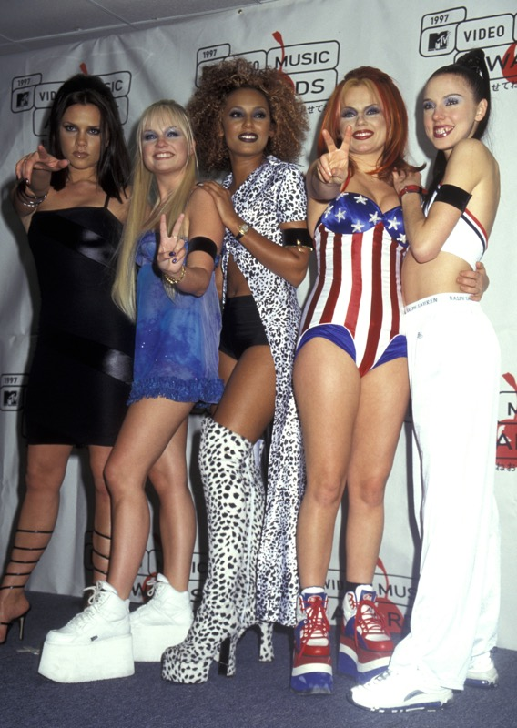 ClioMakeUp-scarpe-famose-celebrities-film-spice-girls