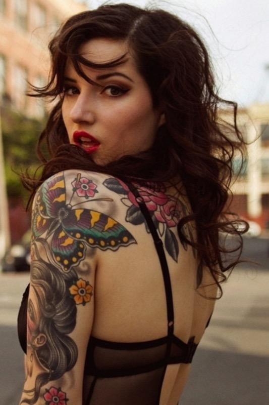 ClioMakeUp-tatuaggi-tattoo-celebrities-braccio