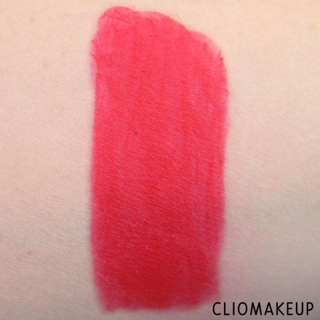 cliomakeup-recensione-rossetti-we-are-fabulous-velvet-matt-lipstick-essence-6