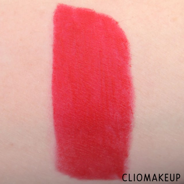 cliomakeup-recensione-rossetti-we-are-fabulous-velvet-matt-lipstick-essence-8
