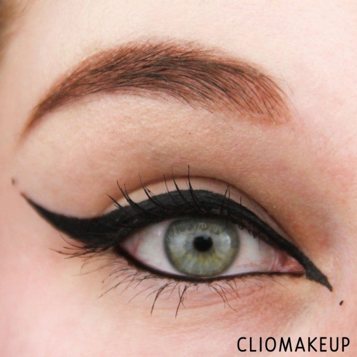 cliomakeup-recensione-we-are-perfect-waterproof-eyeliner-essence-12