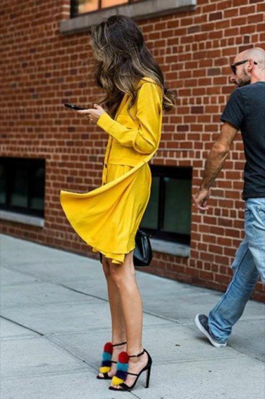 ClioMakeUp-mellow-yellow-trend-primavera-estate-2017-giallo-vestiti-abbinamenti-18