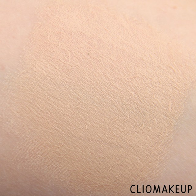 cliomakeup-recensione-correttore-gotcha-covered-concealer-nyx-8
