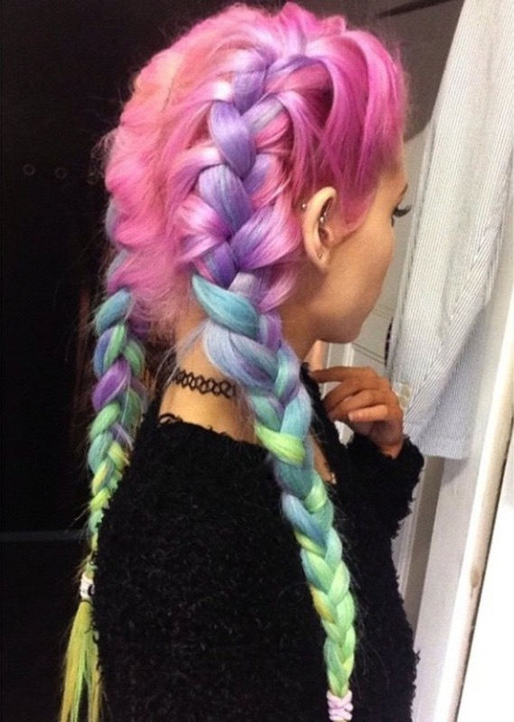 ClioMakeUp-trend-unicorn-mania-unicorni-capelli-acconciature-prodotti-tinte-makeup-illuminanti-accessori-11