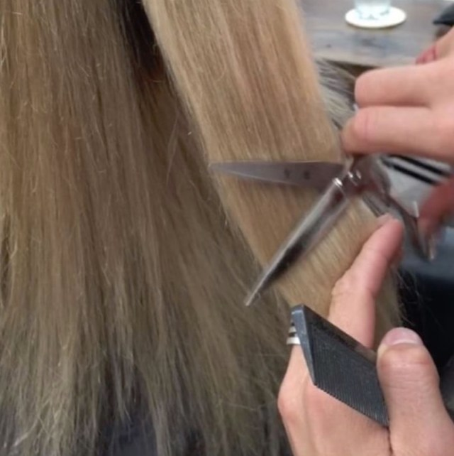 ClioMakeUp-hair-dusting-capelli