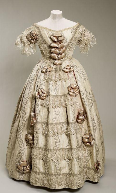 ClioMakeUp-principesse-disney-storicamente-accurate-look-abiti-vestiti-storia-20