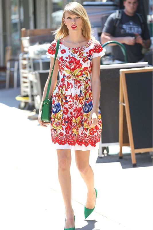 ClioMakeUp-celebrity-vestito-uguale-taylor-swift
