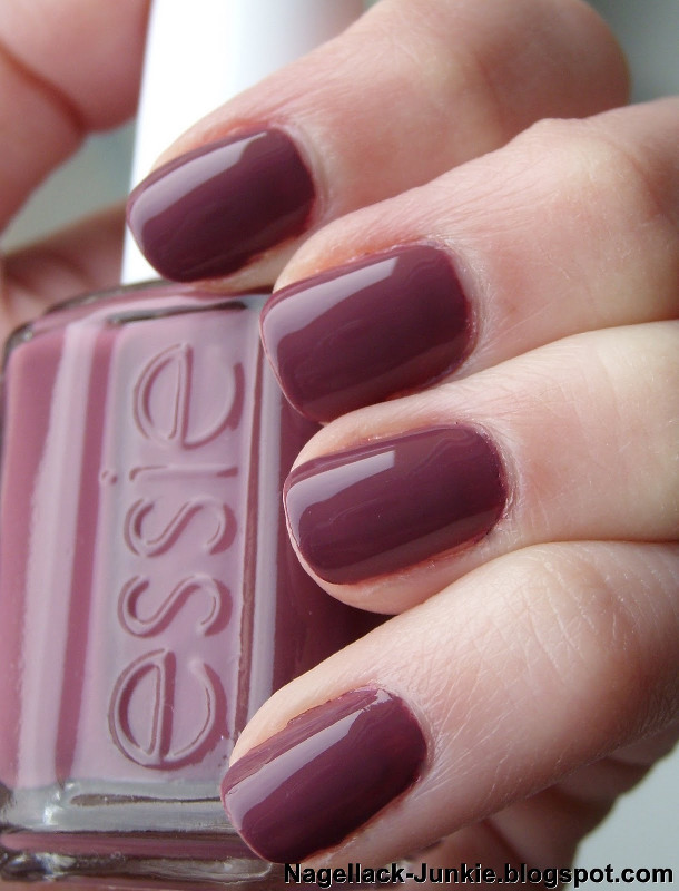 ClioMakeUp-Top-Smalti-Essie-4