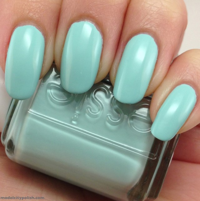 ClioMakeUp-Top-Smalti-Essie-6