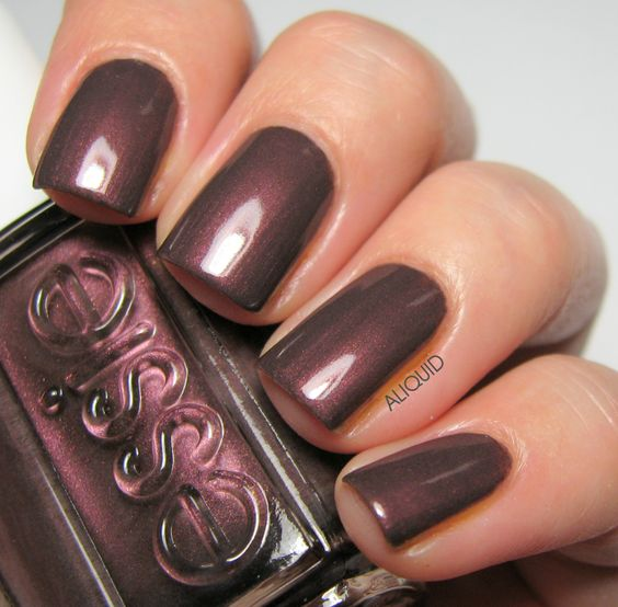 ClioMakeUp-Top-Smalti-Essie-17
