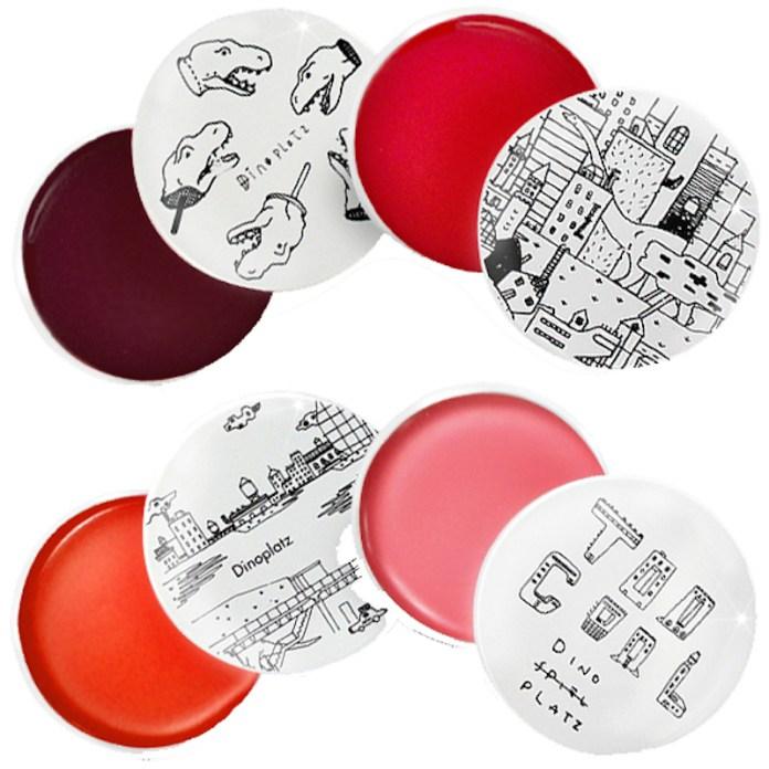 ClioMakeUp-multiuso-prodotti-make-up-multitasking-blush-rossetto-balm-balsamo-colorato-Too-Cool-For-School_DINOPLATZ-LIP-BALM