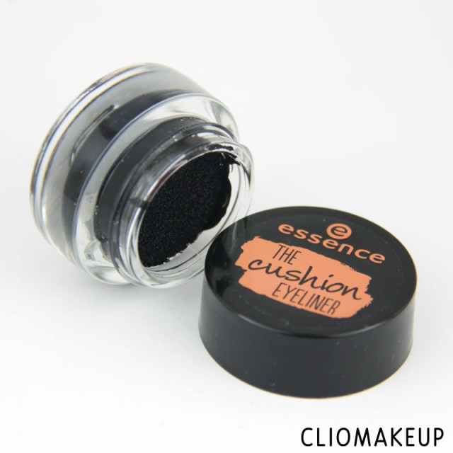 cliomakeup-recensione-eyeliner-the-cushion-eyeliner-essence-3