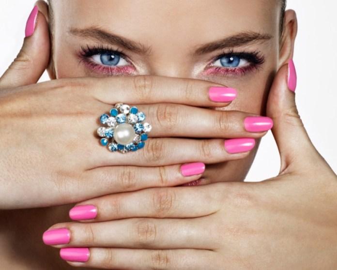 ClioMakeUp-cose-peggiori-makeup-incubi-trucco-rossetto-denti-starnuto-smalto-mascara-eyeliner-11