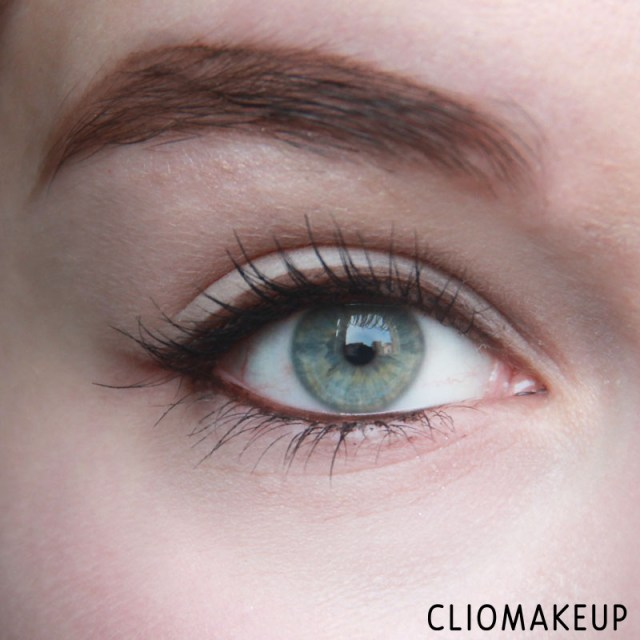 cliomakeup-matita-nera-rima-interna-4-essence