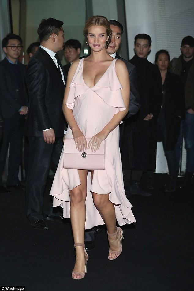 cliomakeup-celebrity-incinte-10-ROSIE-HUNTINGTON-WHITELEY