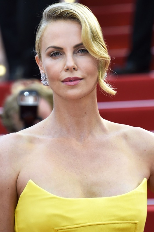 ClioMakeUp-migliori-look-cannes-abiti-make-up-charlize