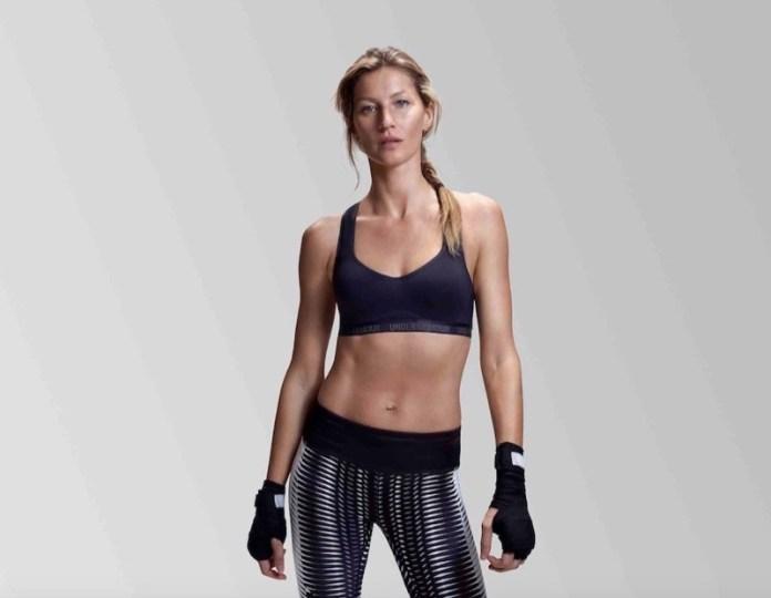 ClioMakeUp-in-forma-senza-palestra-esercizi-sport-attivita-fisica-camminare-scale-fitness-13