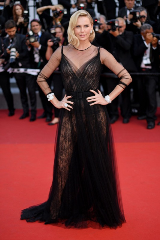 ClioMakeUp-meglio-di-cannes-2017-look-abiti-makeup-celebrity-red-carpet-33