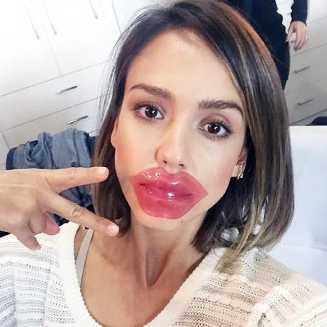 cliomakeup-rossetti-nude-come-sceglierli-4-maschera-labbra