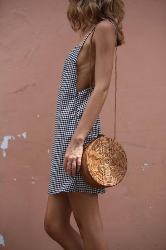 ClioMakeUp-capi-indispensabili-mettere-sempre-valigia-pantaloni-camicia-foulard-vestito-scarpe-18
