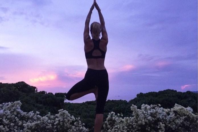 ClioMakeUp-yoga-benefici-stili-disciplina-celebrity-posizioni-6