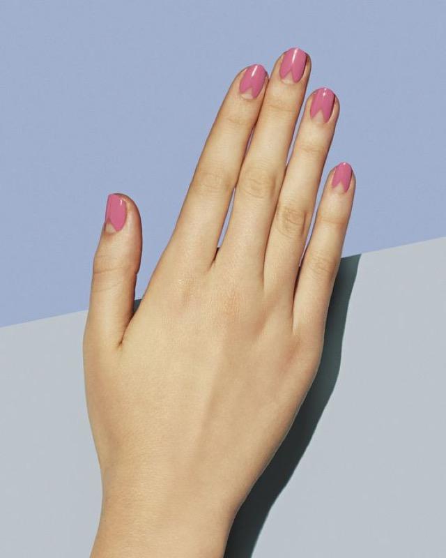 ClioMakeUp-nail-art-unghie-corte-facili-semplici-eleganti-moda-manicure-pois-righe-puntini-25