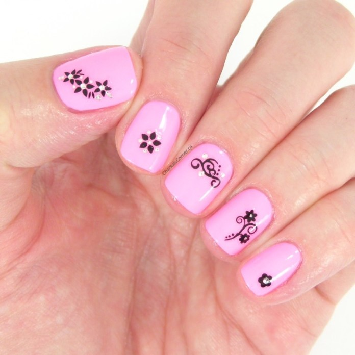 ClioMakeUp-nail-art-unghie-corte-facili-semplici-eleganti-moda-manicure-pois-righe-puntini-11