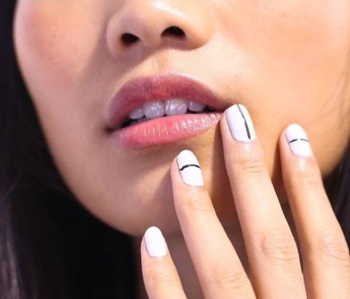 ClioMakeUp-nail-art-unghie-corte-facili-semplici-eleganti-moda-manicure-pois-righe-puntini-10