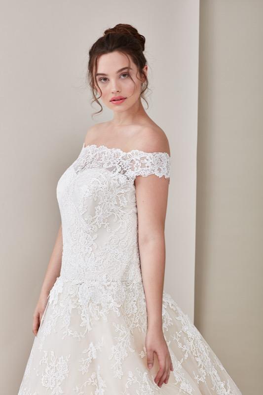 ClioMakeUp-happy-bride-atelier-eme-prodotti-make-up-sposa-matrimonio-make-up-trucco-occhi-labbra-rossetto-base-2
