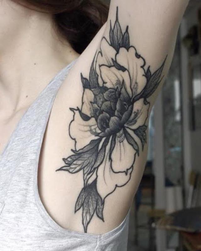 ClioMakeUp-tattoo-sotto-ascelle-trend-nuovo-originale-insolito-doloros-14