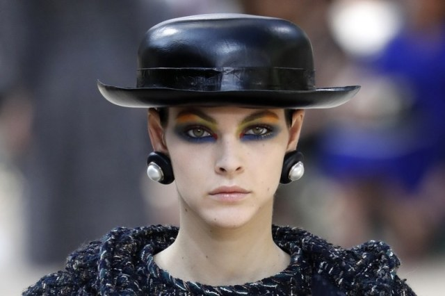 ClioMakeUp-alta-moda-haute-couture-parigi-paris-2017-2018-trucco-look-trend-moda-autunno-CHANEL-make-up