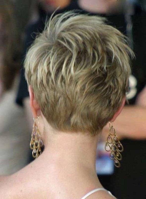 ClioMakeUp-riga-capelli-lato-mezzo-centrale-detra-sinistra-giusta-migliore-star-celebrity-4
