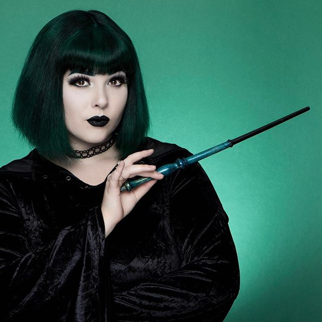 cliomakeup-abbinare-capelli-makeup-6-nero