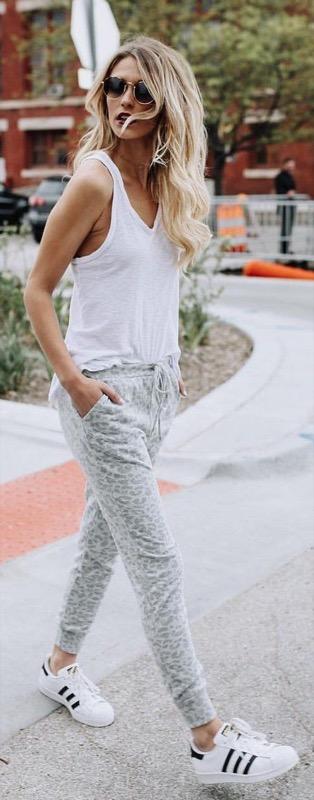 ClioMakeUp-look-viaggio-outfit-tuta-leggings-abiti-stile-24