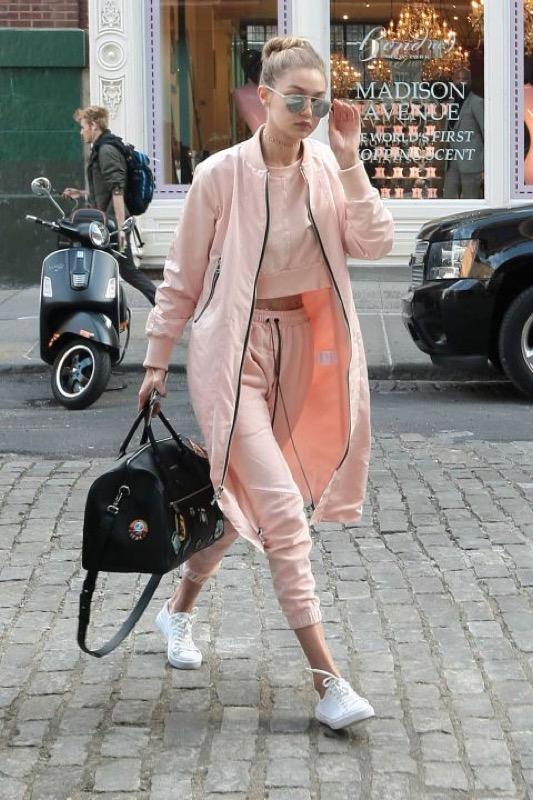 ClioMakeUp-look-viaggio-outfit-tuta-leggings-abiti-stile-14