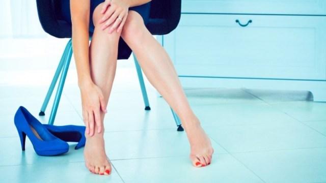 Risultati immagini per gambe gonfie e stanche rimedi