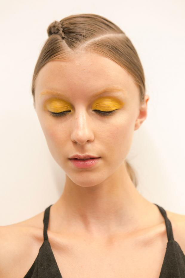 cliomakeup-trucco-ferragosto-9-giallo