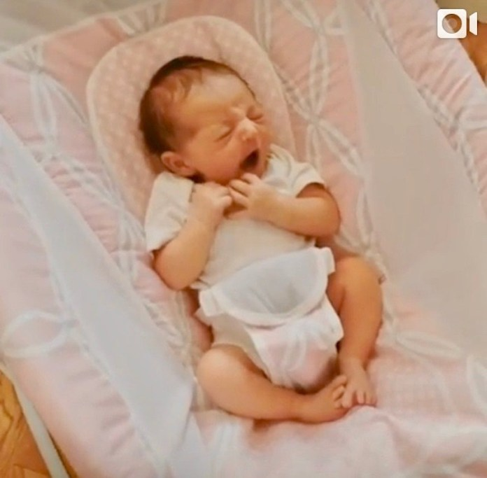 ClioMakeUp-culla-automatica-grace-figlia-mamma-clio