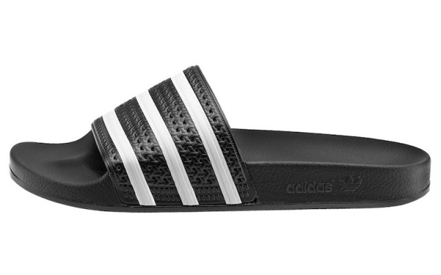 ClioMakeUp-celebrity-star-outfit-vestiti-capi-economici-zara-other-stories-adidas-adilette