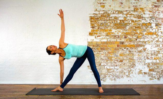 cliomakeup-yoga-per-rassodare-il-seno-10