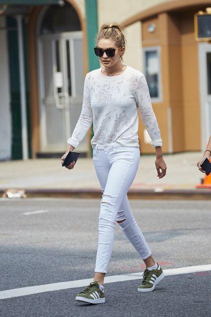 f6783cf9e9 Come indossare le sneakers secondo Gigi Hadid: i suoi 8 modelli ...