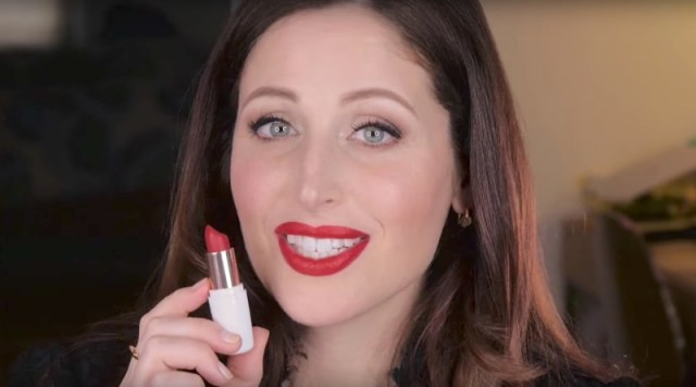 ClioMakeUp-creamylove-the-winner-is-rossetto-rosso-stick-cremoso-3