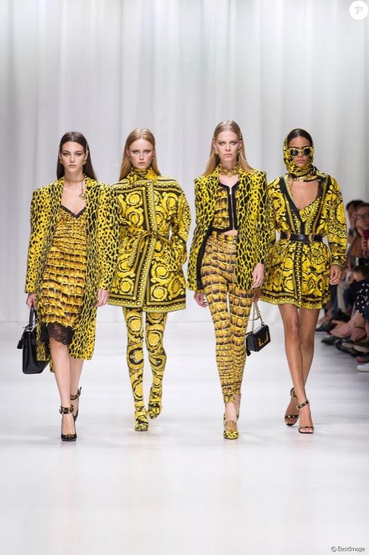 cliomakeup-versace-top-model-anni-90-naomi-campbell-claudia-schiffer-carla-bruni-cindy-crawford-helena-christensen-milano-fashion-week-11