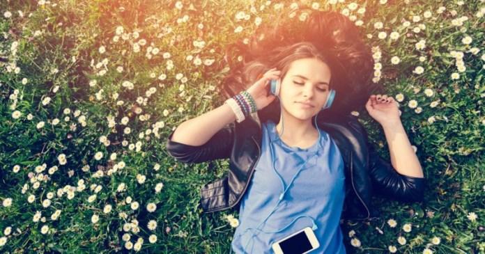 ClioMakeUp-video-asmr-fan-novita-relax-sonno-dormire-rilassarsi-3