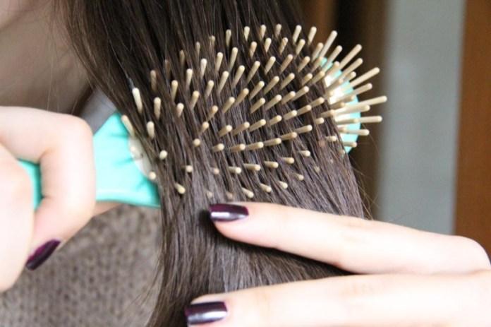 cliomakeup-capelli-inverno-1-spazzola-naturale