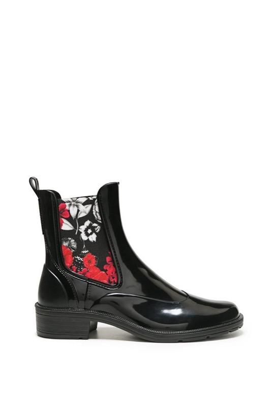 finest selection 14826 5a679 Stivali da pioggia: i modelli più attuali e 5 look favolosi ...