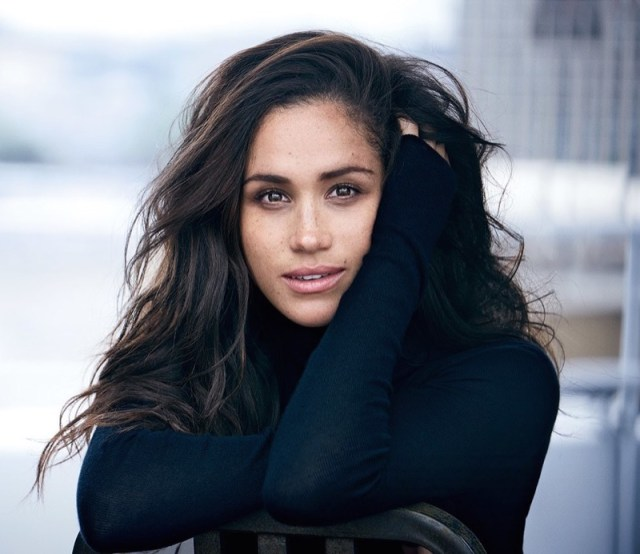 cliomakeup-meghan-markle-beauty-routine-8-curly-hair