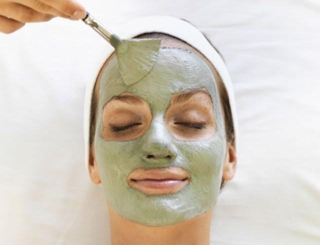 cliomakeup-rimedi-pelle-lucida-6-argilla-verde